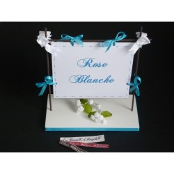 Marque-Table Chassis Turquoise thème roses blanches